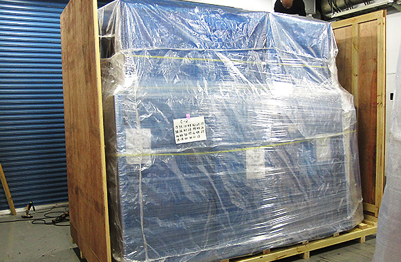 空調倉庫内での梱包